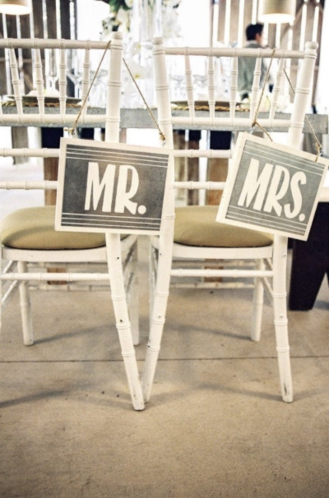signage_chair_27