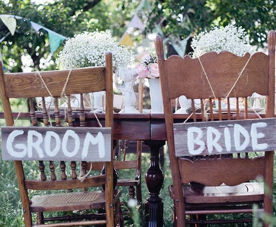 56 Creative Signage Chair Decor Ideas