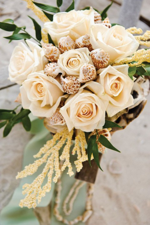 Traditional Wedding Flowers Pictures : Traditional and unconventional beach wedding bouquets