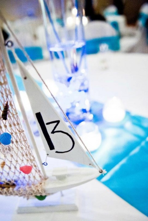 beach_table_numbers_19