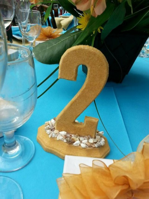 beach_table_numbers_44
