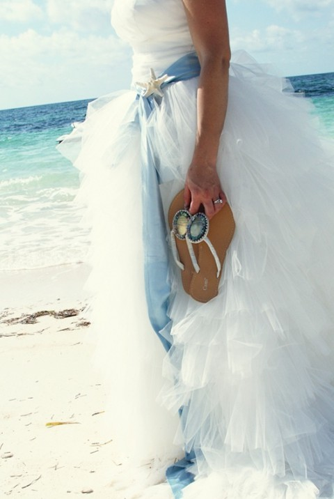 blue_beach_wedding_08
