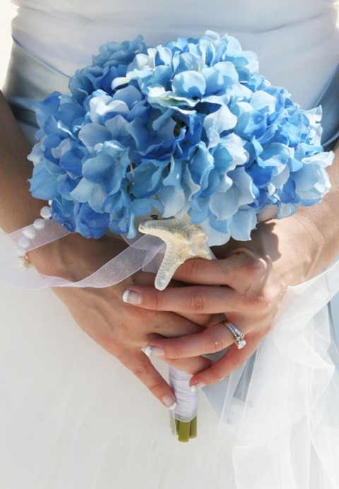 blue_beach_wedding_11