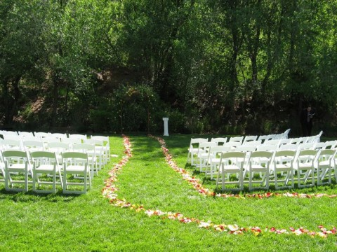 outdoor_wedding_aisle_19
