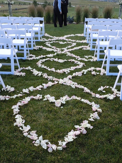 outdoor_wedding_aisle_24