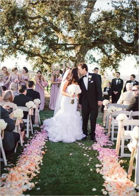 outdoor_wedding_aisle_38