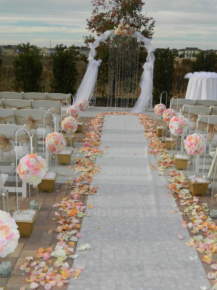Outdoor wedding aisle 58 for Images of outdoor weddings