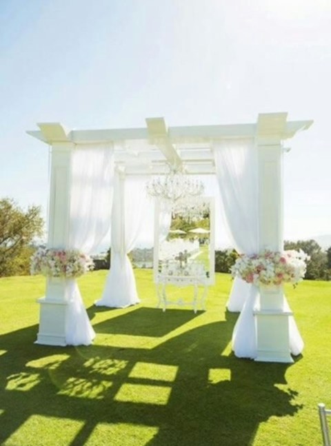 outdoor_wedding_arch_07