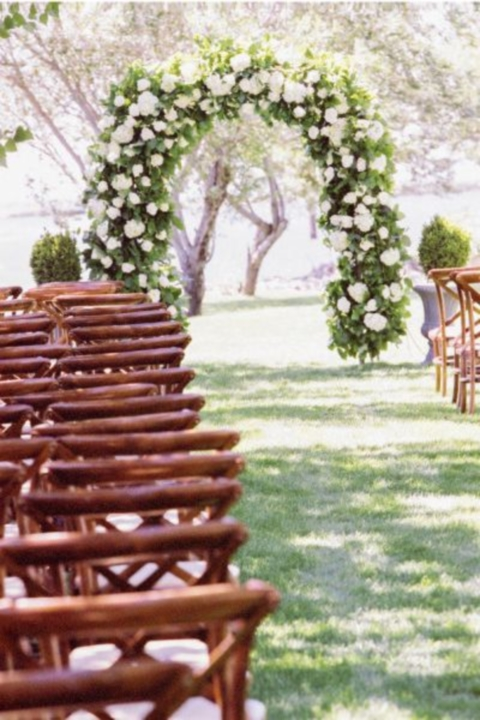 outdoor_wedding_arch_08