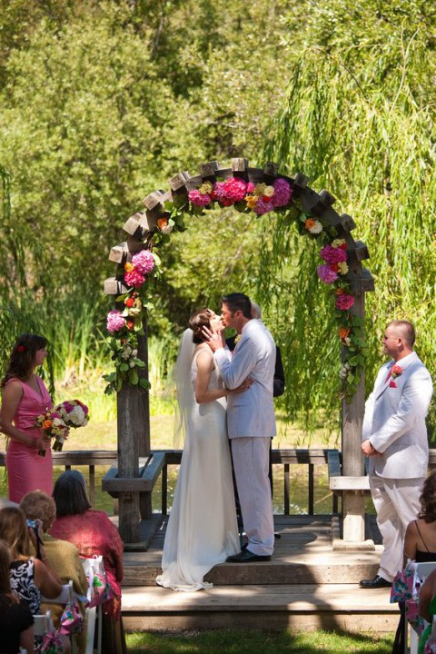 outdoor_wedding_arch_10