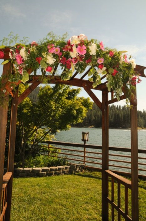 outdoor_wedding_arch_14