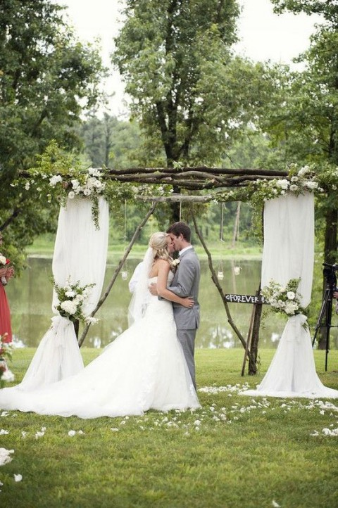 outdoor_wedding_arch_16