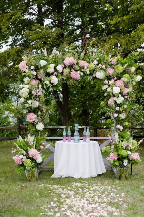 outdoor_wedding_arch_20