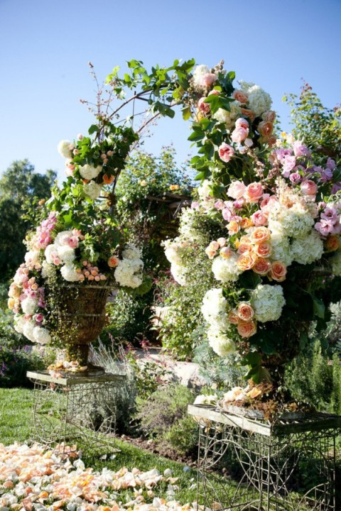 outdoor_wedding_arch_38