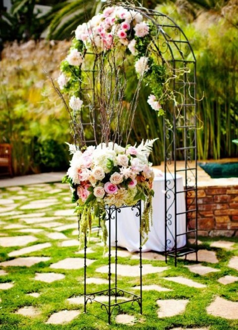 outdoor_wedding_arch_39