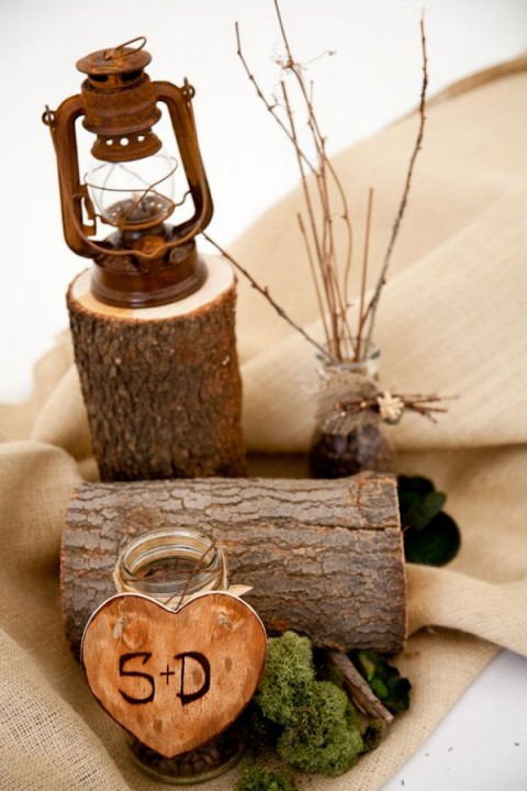 Inspiring and natural woodland wedding centerpieces