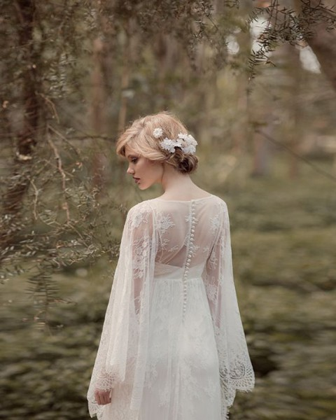37 woodland wedding dresses to look like a forest nymph for Forest wedding dress vintage