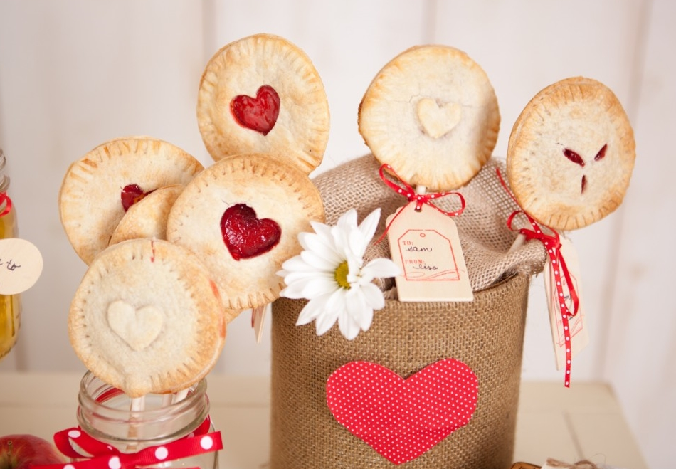 26 Delicious And Easy DIY Foodie Favors