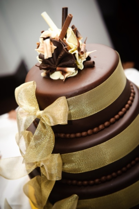 46 Dark And White Chocolate Wedding Cakes Happywedd Com