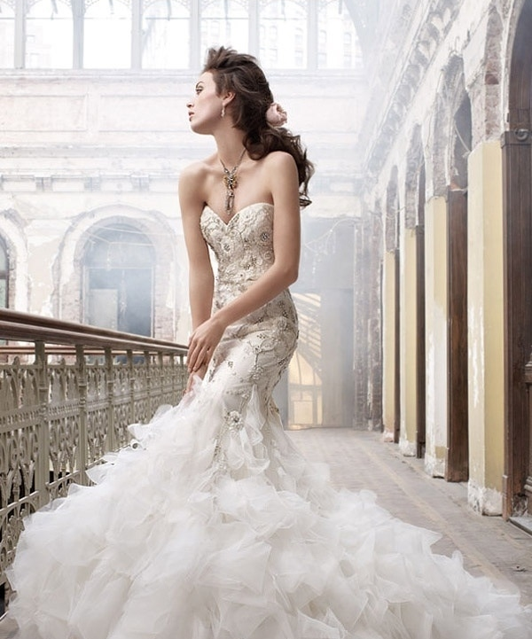 37 Mermaid Wedding Dresses To Highlight Your Curves