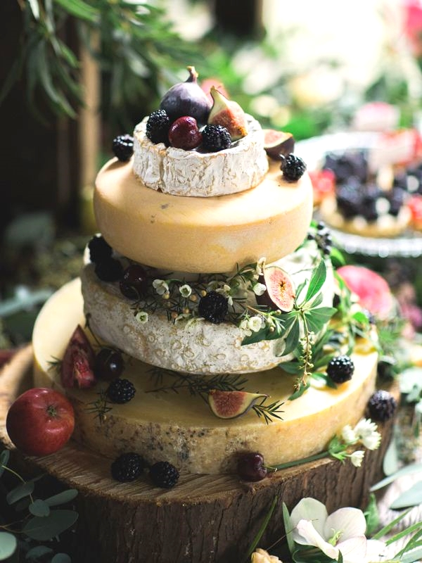 54 Yummy Vineyard Wedding Cakes And Cheese Towers HappyWeddcom