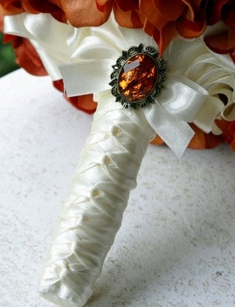 How To Use Bridal Bouquet Holder : Wedding bouquet handles and holders happywedd