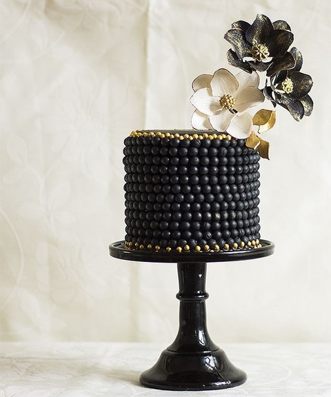 80 Adorable Black And Gold Wedding Ideas