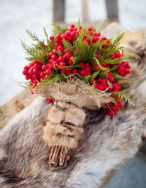 45 Fabulous Christmas Wedding Bouquets HappyWeddcom