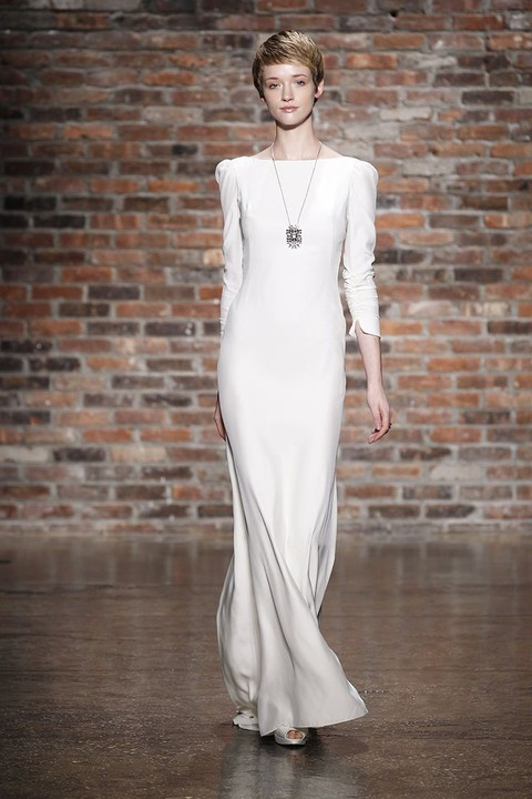 Simple Yet Chic Wedding Dresses For Modern Brides