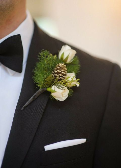 25 winter wedding boutonnieres for every groom happywedd 25 winter wedding boutonnieres for every groom junglespirit Images