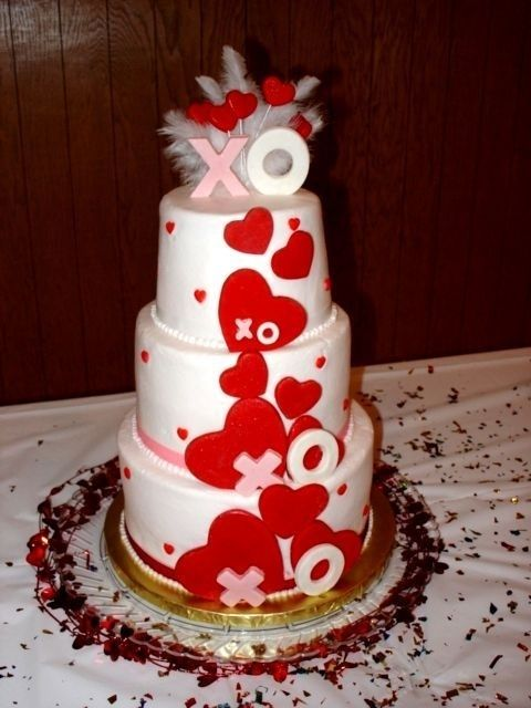 37 awesome valentine s day wedding cakes. Black Bedroom Furniture Sets. Home Design Ideas