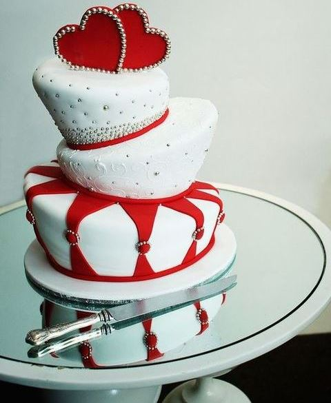 37 Awesome Valentine's Day Wedding Cakes