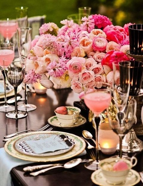 27 Valentine\'s Day Wedding Table Settings | HappyWedd.com