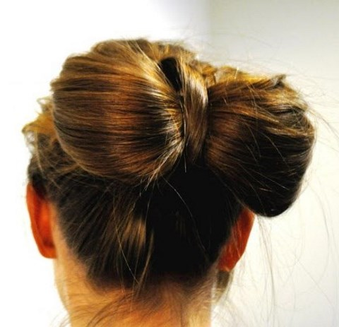 18 Stylish DIY Bridal Buns With Tutorials