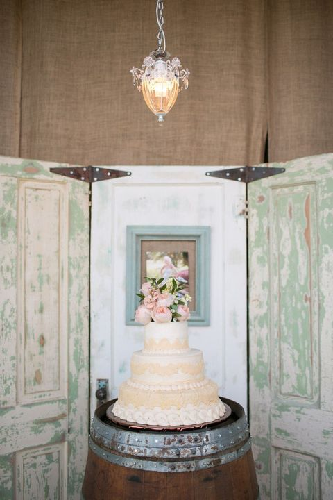 by Mia & 55 Vintage Door Wedding Backdrops | HappyWedd.com