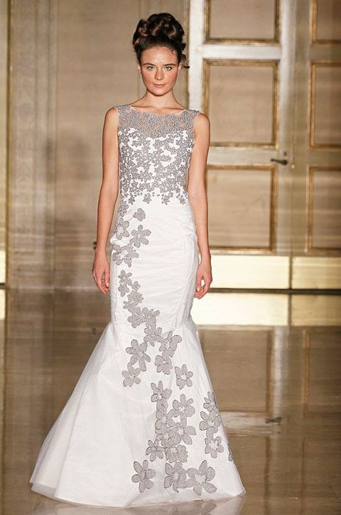 30 gorgeous floral wedding dresses for Dresses for silver wedding anniversary