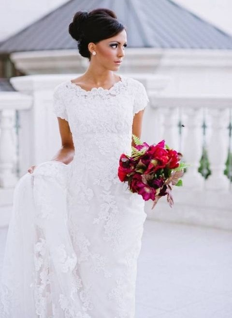 32 short sleeve wedding dresses for every bride for Wedding dress ideas for short brides