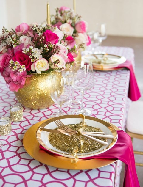 50 Original Printed Tablecloths For Your Wedding Decor