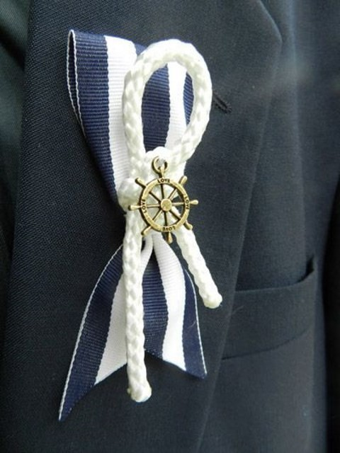 unique_boutonniere_16