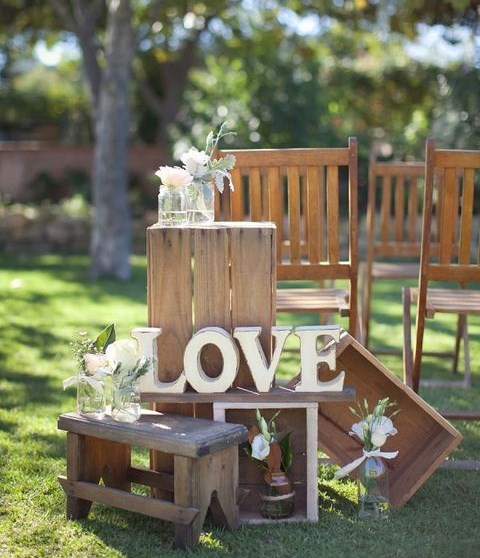 creative backyard wedding decorations