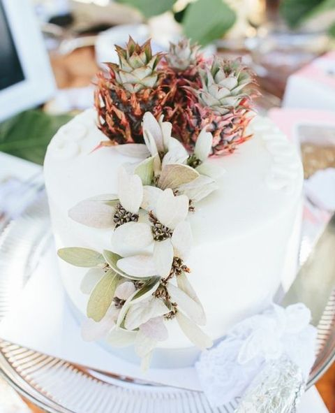 85 Very Fun Pineapple Wedding Ideas HappyWeddcom - Pineapple Wedding Cake