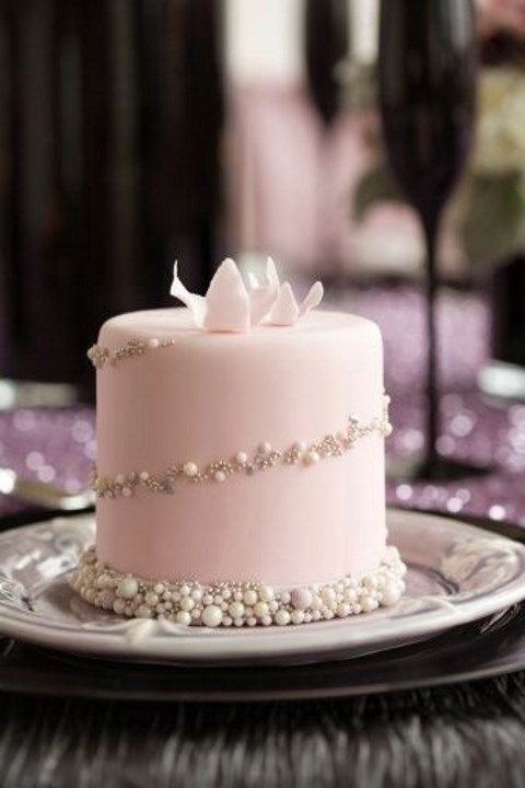 Individual Wedding Cakes For Each Table