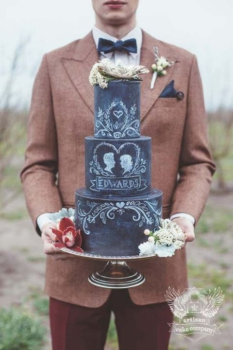2015 Wedding Trend: 31 Chalkboard Wedding Cakes