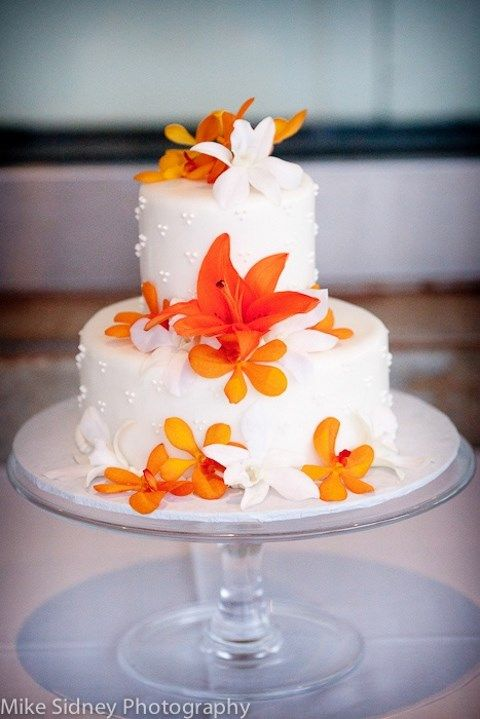 44 Beautiful Bold Tropical Wedding Cakes