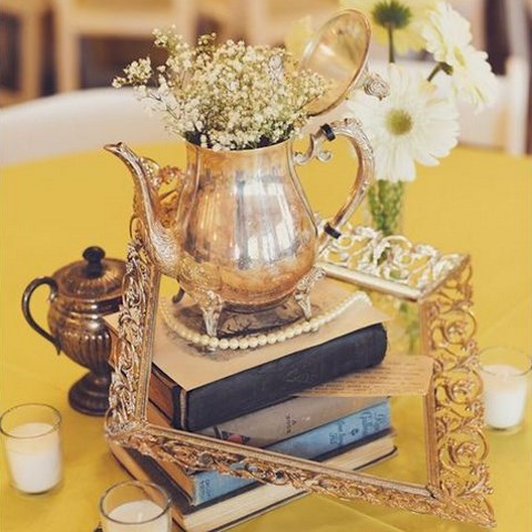 40 Charming Vintage Wedding Centerpieces | HappyWedd.com