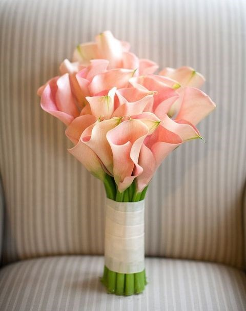 52 Stylish And Eye-Catching Calla Wedding Bouquets