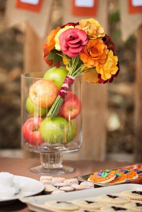 Cozy and warming up fall bridal shower ideas happywedd