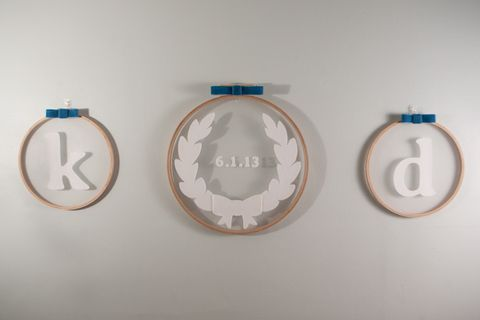 13 Creative Embroidery Hoop Wedding DIYs