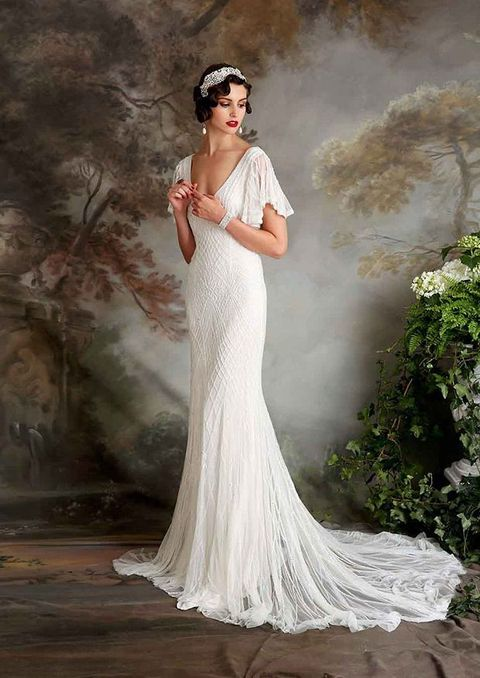 48 gorgeous art deco bridal gowns that wow happywedd by chloe junglespirit Choice Image