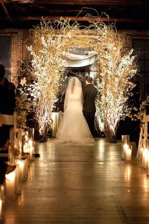 26 winter wedding arches and altars to get inspired - Decoracion para bodas vintage ...